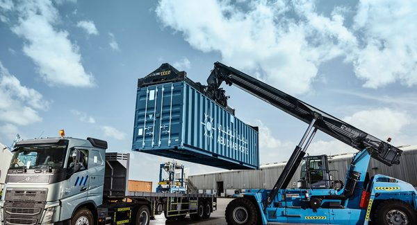 Abu-Dhabi-Ports---MICCO---Container-Lift